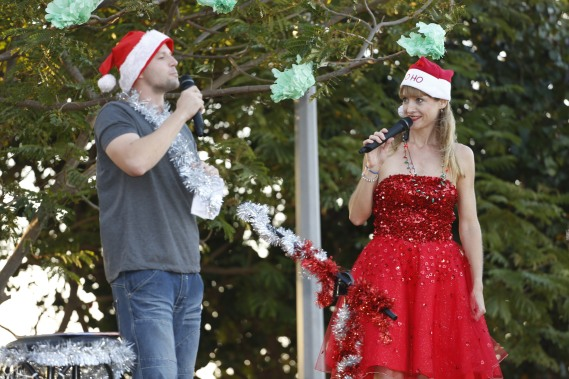 Community Carols by Candlelight with Robbie Klitzing